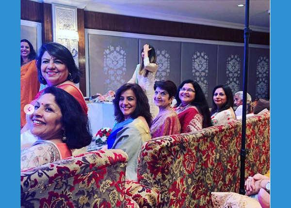 इशिता ने डिलीट कीं सगाई की तस्वीरें