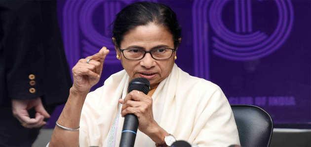 चक्रवात फोनी: पीएम मोदी के साथ समीक्षा बैठक से ममता का इनकार