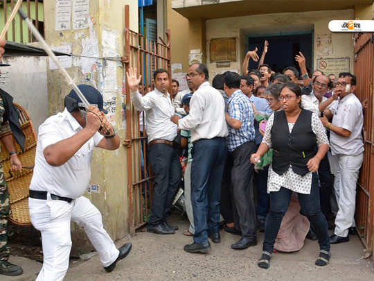 police attack on howrah lawyers howrah court vandalism case today in calcutta high court