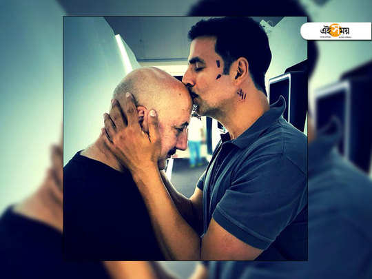 akshay kumar replied to anupam kher's tweet to him centering citizenship controversy