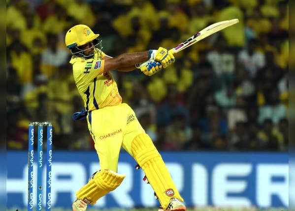 सुरेश रैना और धोनी आउट, लेकिन चेन्नै ने जीता मैच