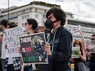 पर्यावरण बचान ेके लिए लंदन में हुआ बड़ा प्रदर्शन