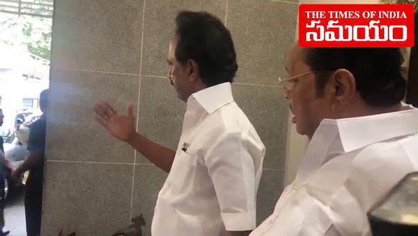 cm kcr meets mk stalin in chennai to discuss federal front