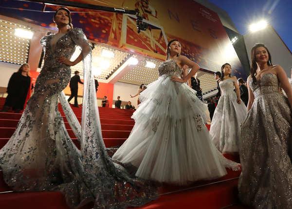 हिना खान अपनी डेब्यू फिल्म 'लाइंस'