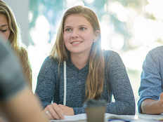 scholarship options to study in canada