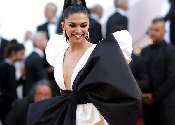 Cannes के रेड कार्पेट पर छा गईं दीपिका