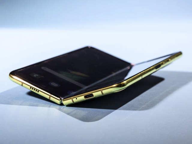 Galaxy Fold के डिजाइन में सुधार करेगा सैमसंग, जल्द अनाउंस हो सकती है लॉन्च डेट