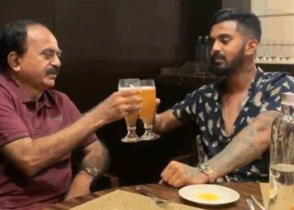 डैड के साथ केएल राहुल की मस्ती