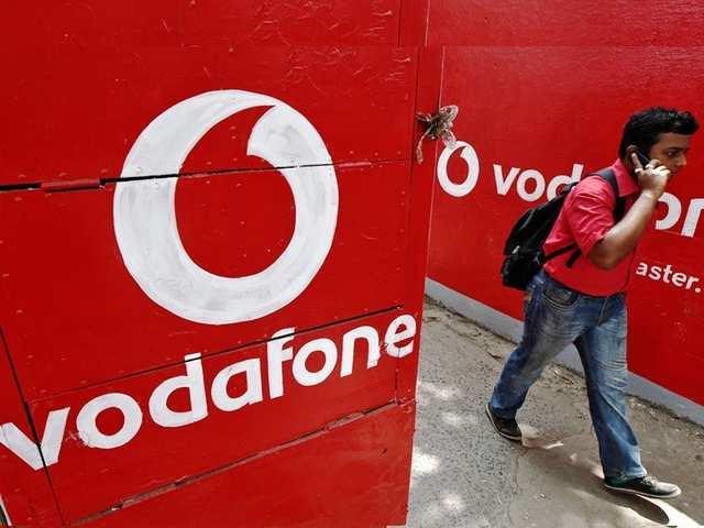 Vodafone यूजर्स को 1 साल तक रोज फ्री मिलेगा 1.5GB डेटा और अनलिमिटेड कॉलिंग, जानें कैसे?