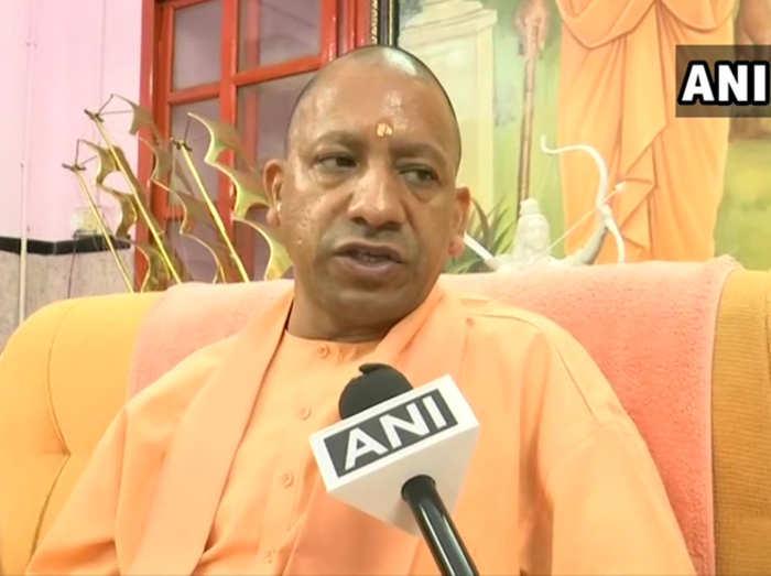 गोरखपुर से योगी ने किया मतदान