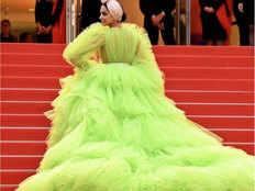 Cannes 2019 लाइम ग्रीन गाउन में दीपिका का गॉर्जस लुक
