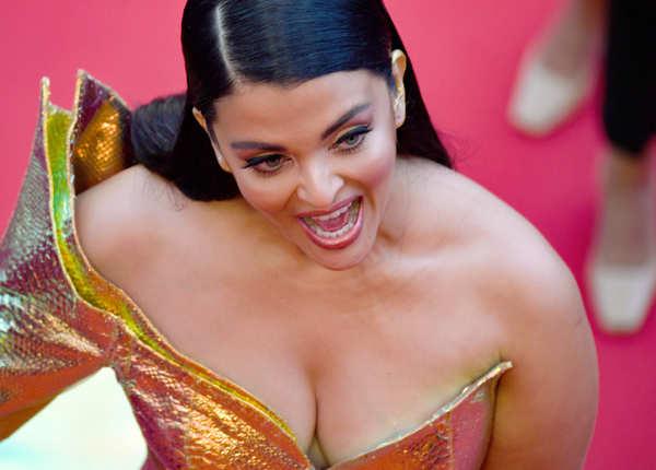फिर छा गईं Cannes 2019 के रेड कार्पेट पर ऐश्वर्या