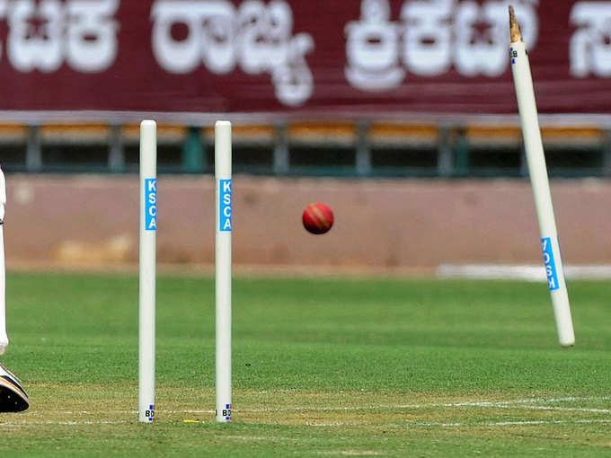 देखें, 10 बॉल- नामी बल्लेबाज भी हो जाते हैं चित