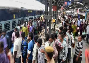 trains air conditioners failing in sweltering heat