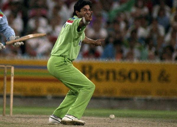वसीम अकरम (वर्ल्ड कप 5, मैच 38, विकेट 55)