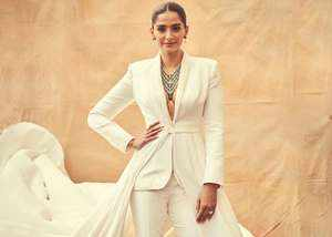 sonam kapoor goes premiere of hollywood film at cannes