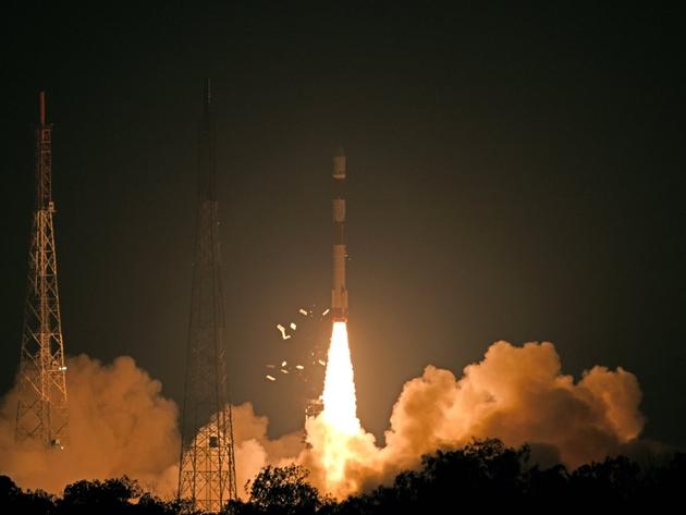 RISAT-2B: आरआईसैट-2बी को अंतरिक्ष में ले जाता पीएसएलवी