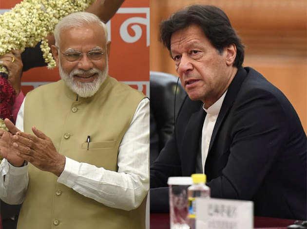 पीएम नरेंद्र मोदी और पाकिस्तान के पीएम इमरान खान (फाइल फोटो)