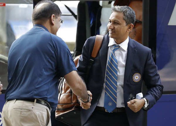 कूल दिख रहे हैं संजय बांगड़