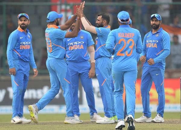 देखें झलकियां: वर्ल्ड कप मिशन पर इंग्लैंड पहुंची टीम इंडिया