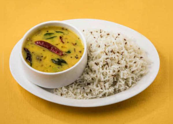 स्टडी: चावल खाने से बढ़ता नहीं बल्कि कम होता है मोटापा!