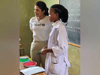 फैन्स बोले, इंडिया के बच्चों के लिए भी कुछ करो 'प्रियंका'