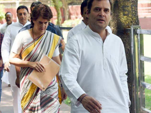 प्रियंका ने राहुल से इस्तीफे पर की चर्चा