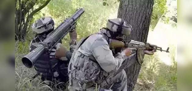 कुलगाम में पुलिस, सुरक्षाबलों की आतंकियों से मुठभेड़