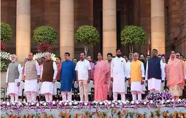 मोदी सरकार 2.0: प्रधानमंत्री ने बदल दिए 40 फीसदी मंत्री