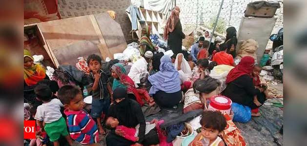 मणिपुर: 9 रोहिंग्या फर्जी आधार कार्ड के साथ गिरफ्तार, जांच जारी