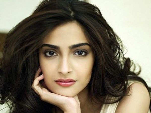 sonam kapoor was not interested in acting