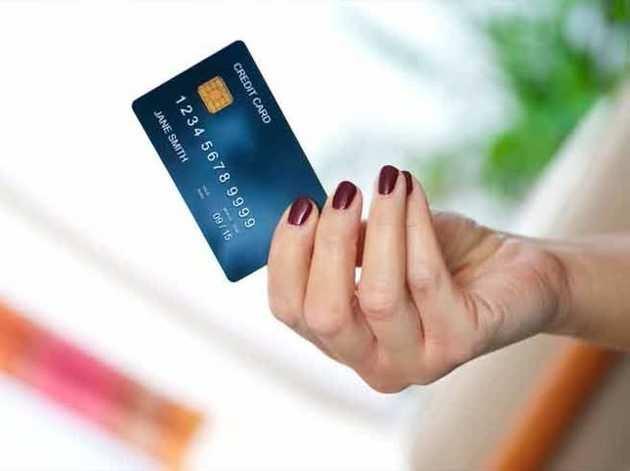 क्रेडिट कार्ड से भूलकर भी न करें ये 7 काम