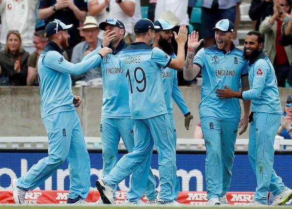 इंग्लैंड ने की थी जीत से शुरुआत