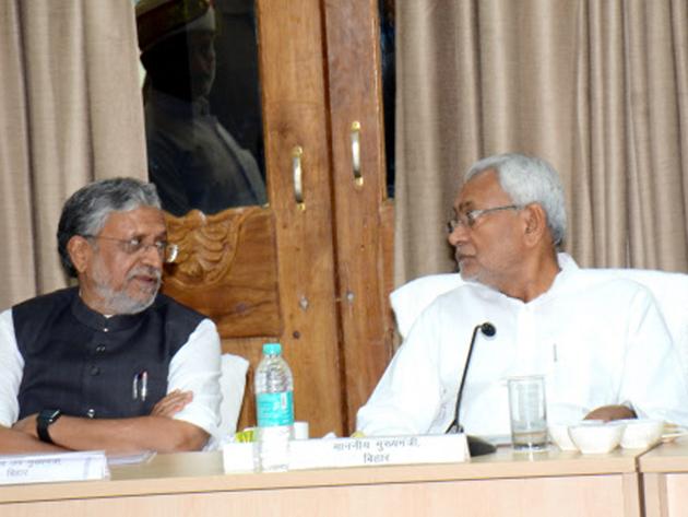 फाइल फोटो: सुशील मोदी और नीतीश कुमार