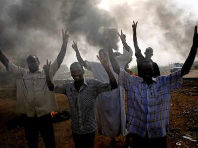 सूडान में इन दिनों हर ओर हो रहे प्रदर्शन