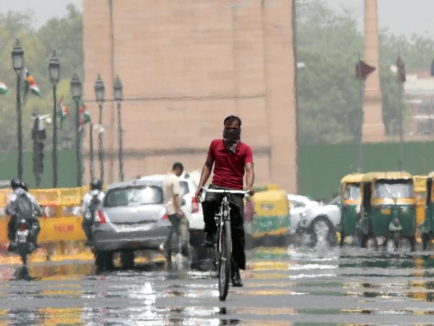दिल्ली की गर्मी (फाइल फोटो)