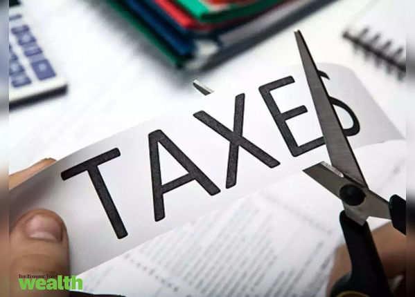 वेतनभोगी यूं बचा सकते हैं आसानी से टैक्स