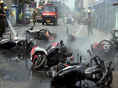 बंगाल में हिंसा: गृह मंत्रालय ने गहरी चिंता जताई, कहा दोषियों के खिलाफ कार्रवाई हो