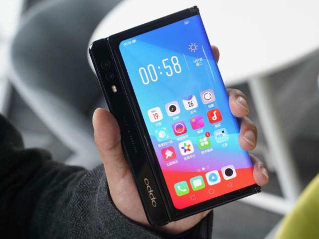 पॉप-अप कैमरे वाला फोल्डेबल फोन लाएगा Oppo