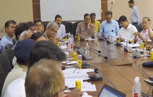 चक्रवात वायु पर गुजरात के मुख्यमंत्री विजय रुपानी ने की बैठक