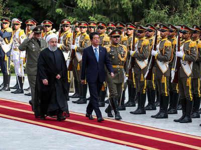 आबे की तेहरान यात्रा पर विश्व की नजर