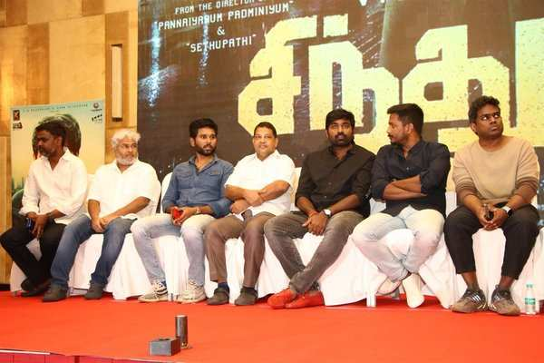 actor vijay sethupathi says about sindhubaadh movie director arunkumar