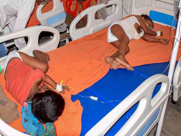 इंसेफेलाइटिस से पीड़ित बच्चे