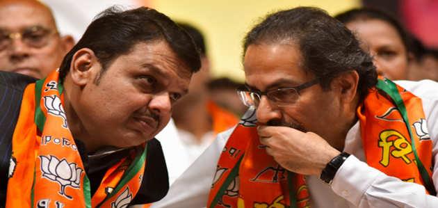 महाराष्ट्र में फडणवीस और उद्धव की चर्चा, जल्द हो सकता है मंत्रिमंडल विस्तार