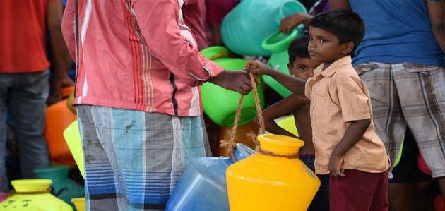 चेन्नै जलसंकट: DMK का EPS सरकार के खिलाफ प्रदर्शन
