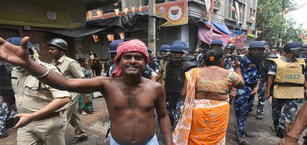 पश्चिंम बंगाल में तनाव बरकरार, बीजेपी नेता करेंगे इलाके का दौरा