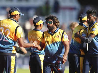 इंग्लैंड के खिलाफ जीत के बाद श्री लंकाई टीम
