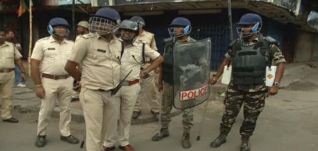 पश्चिम बंगाल: बीजेपी प्रतिनिधिमंडल के भाटपारा से लौटते ही फिर भड़की हिंसा