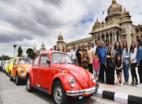 बेंगलुरू: पुरानी फोक्सवैगन बीटल कार के दीवानों ने निकाली परेड
