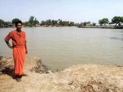 विकट गर्मी में भी जखनी गांव के तालाब पानी से भरे हुए हैं